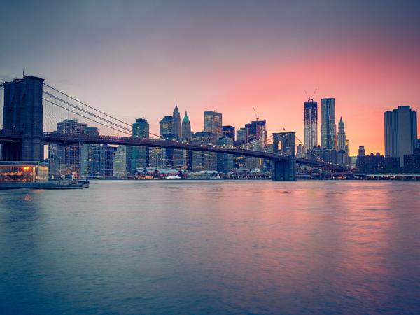 8 天 <獨家金秋特別團>美加雙境深度豪華博覽【紐約+華盛頓+多倫多+渥太華+蒙特利爾+波士頓】親臨《鬼怪》浪漫取景地魁北克,尊享觀瀑塔旋轉餐廳浪漫西餐,最佳視角欣賞瀑布 ( 紐約接機,紐約或波士頓送機 )